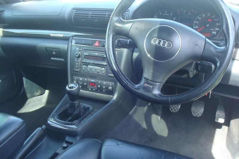 Audi-RS4-X978-NKM_1