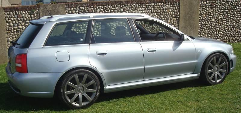 Audi-RS4-Y76-HTU_11
