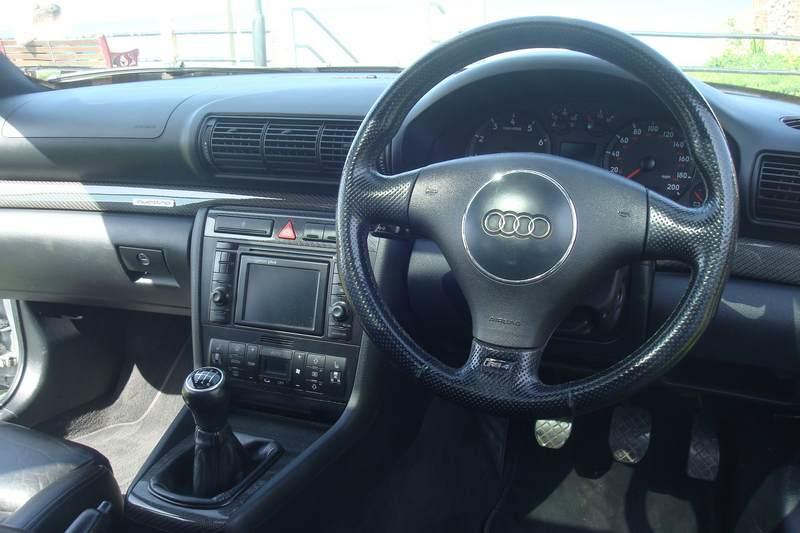 Audi-RS4-Y76-HTU_2