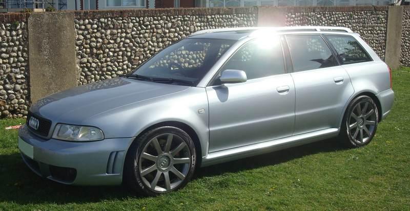 Audi-RS4-Y76-HTU_8