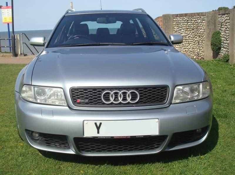 Audi-RS4-Y76-HTU_9
